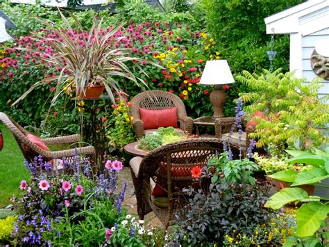 Small Backyard Flower Garden Ideas Small Garden Ideas Modern Magazin
