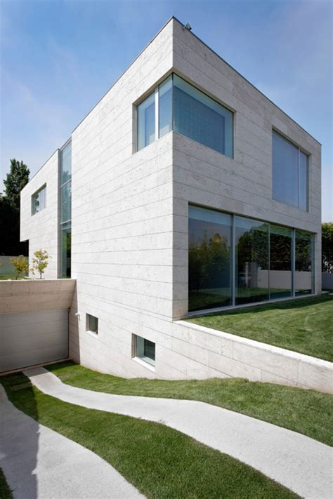 minimalist cube house with geometric look modern house