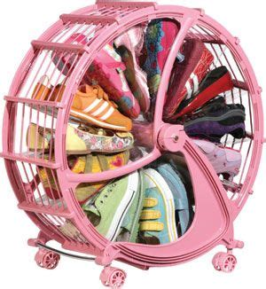 Win A Rakku Shoe Wheel by Best 25 Purple Black Bedroom Ideas On Purple