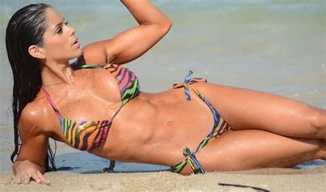 el mejor trasero femenino del mundo girlfit55 gocelebz michelle lewin in bikini in miami