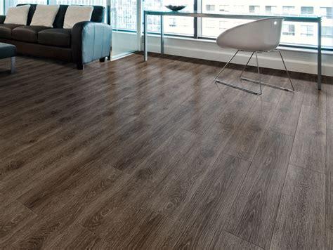 pavimenti autoposanti pavimento vinilico autoposante effetto legno expona