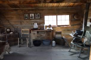 trail town cabin interior busybeetraveler
