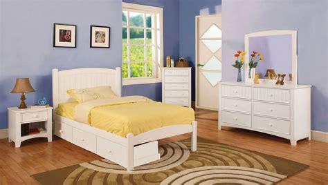 white cottage bedroom set caren cottage white platform bedroom set with slat kit cm7902wh