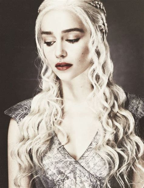 actress game of thrones khaleesi daenerys targaryen game of thrones i m not unhappy that