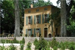 here and abroad vacation properties in provence
