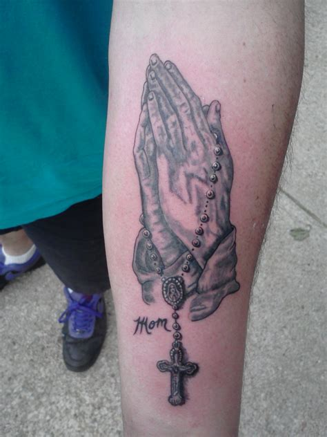 praying hands with rosary tattoo designs praying images designs