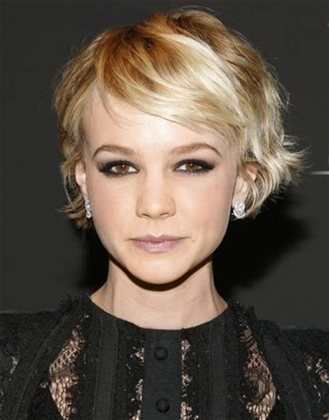how to gracefully grow out a pixie cut 17 best images about short hair on pinterest shorts