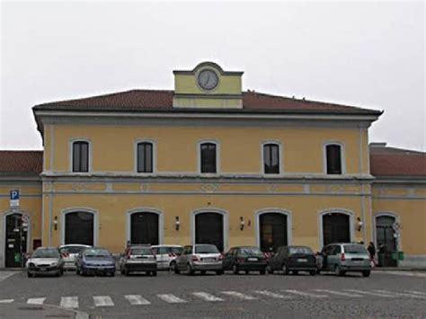 indirizzo stazione pavia stazione ferroviaria piazza della stazione 20 19 18 17
