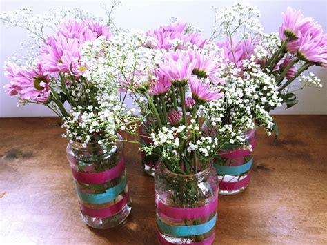 floreros con frascos de vidrio diy florero idea para reutilizar los frascos de vidrio