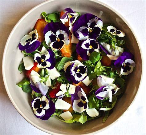 ricette con fiori commestibili fiori commestibili e alta tecnologia anche la pregiata