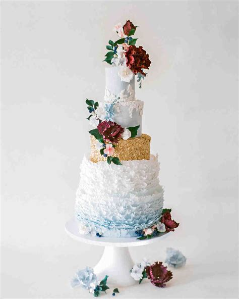 Cake Flowers Wedding by Metallic Wedding Cakes That Make A Shimmering Statement
