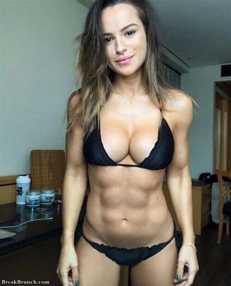 sexy girls  bigger abs   breakbrunch