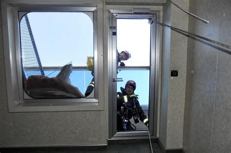 costa concordia cabine concordia cabine a soqquadro dopo il naufragio