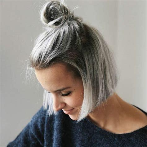 cheveux chatain meche grise coloration des cheveux moderne 1001 looks impeccables avec une coloration grise