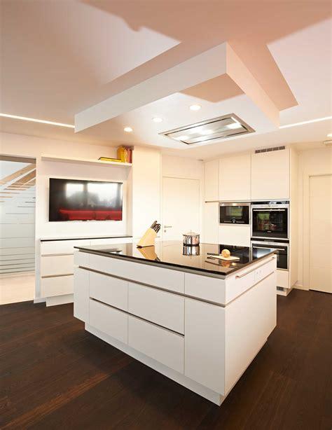 dunstabzug decke stunning abgeh 228 ngte decke k 252 che gallery house design