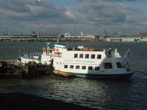 thames river cruise from gravesend lower thames and medway passenger boat company wikipedia