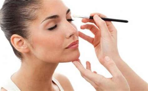 tutorial memakai lipstik natural cara memakai make up natural agar terlihat cantik cara