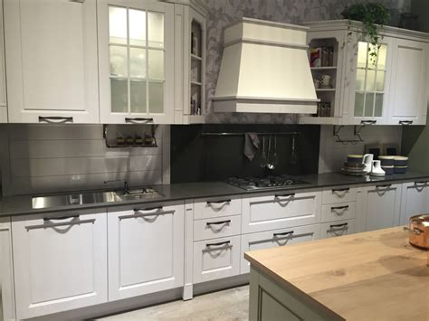kitchen cabinets with frosted glass doors glass kitchen cabinet doors and the styles that they work