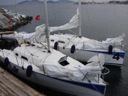 tekne navigasyon programı pupa market yelken 220 r 252 nleri kıyafetleri tekneler