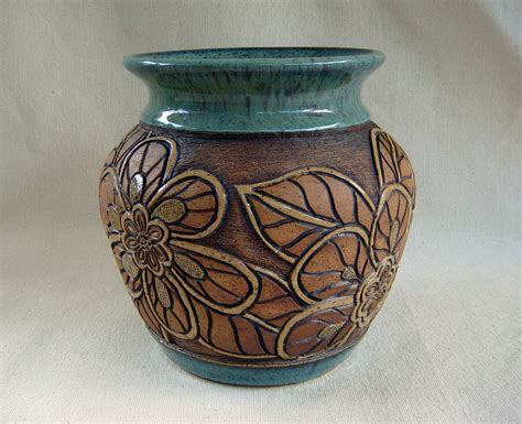 Pottery Vase Designs pottery carved vase with flower design 1345