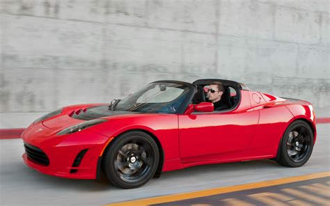 The Tesla Roadster Tesla Roadster 3 0 Coming In August Says Elon Musk On