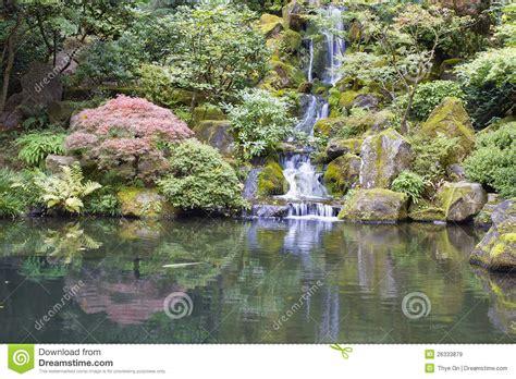 Japanischer Garten Bilder 2612 by Stagno Giapponese Di Koi Giardino Con La Cascata