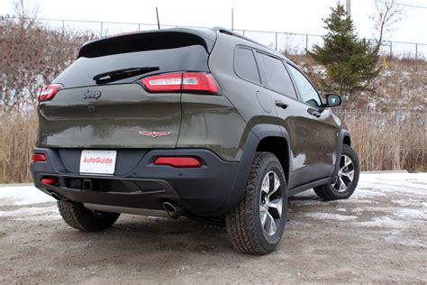 jeep trailhawk 2016 2016 jeep cherokee trailhawk review autoguide com news