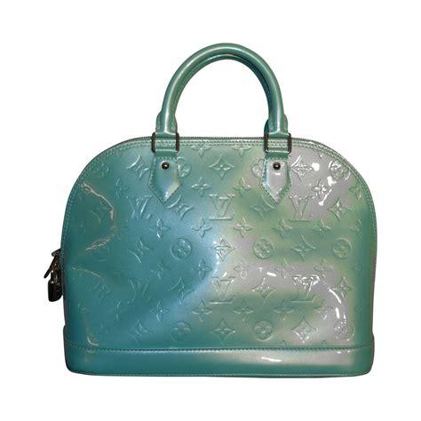 Wwd Top 12 Designer Handbag Brands Of 2007 by 2000s Louis Vuitton Light Green Alma Bag At 1stdibs