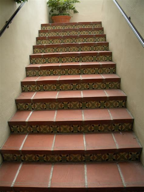 Staircase Riser Tiles Biltmore Diane S Pattern Tiles For Staircase