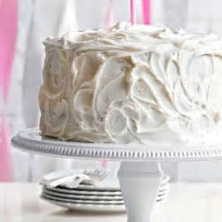 who else wants a slice of this classic vanilla cake more