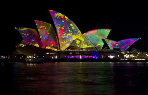 la opera de sidney  espectaculo de luz  color