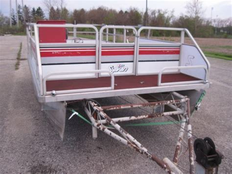 trailer for 20 foot boat 20 foot sylvan pontoon boat party barge with center lift