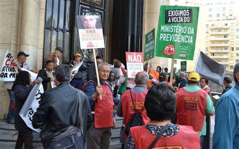 forum de aposentados do inss aposentados ocupam inss em s 227 o paulo contra reforma da