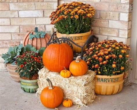 ideas for harvest decorations for the home for halloween 25 outdoor fall d 233 cor ideas that are easy to recreate