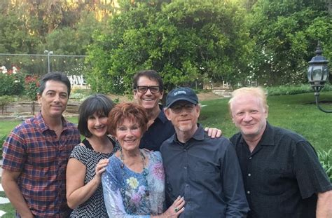 where are they now former yes members henry potts happy days cast remembers erin moran at memorial
