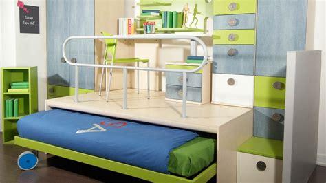 estrade pour chambre lit estrade chambre studio le lit escamotable pour