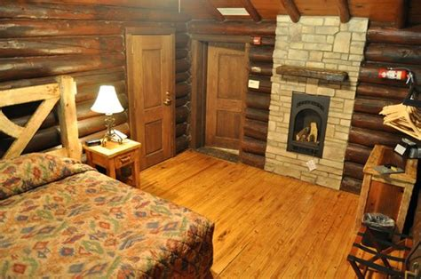 cabin room at starved rock lodge picture of starved rock