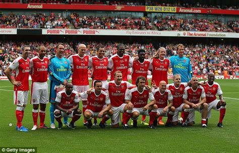 Arsenal Legends arsenal legends pose for photo following 4 2