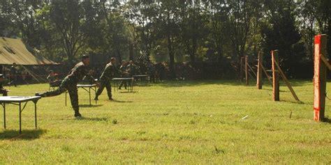 Pisau Pond Di Bandung mengintip latihan lempar pisau dan kak ala pasukan