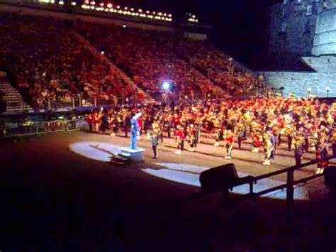 edinburgh tattoo going home edinburgh tattoo 2009 massed band going home youtube