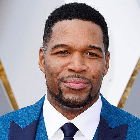 what kind of haircut does michael strahan have michael strahan michael strahan bio net worth salary book