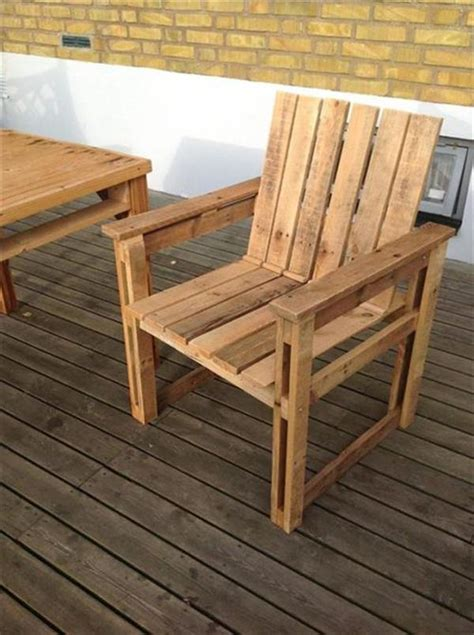 Wooden Armchair Design Ideas Diy Recycled Pallet Chairs Ideas Ideas With Pallets