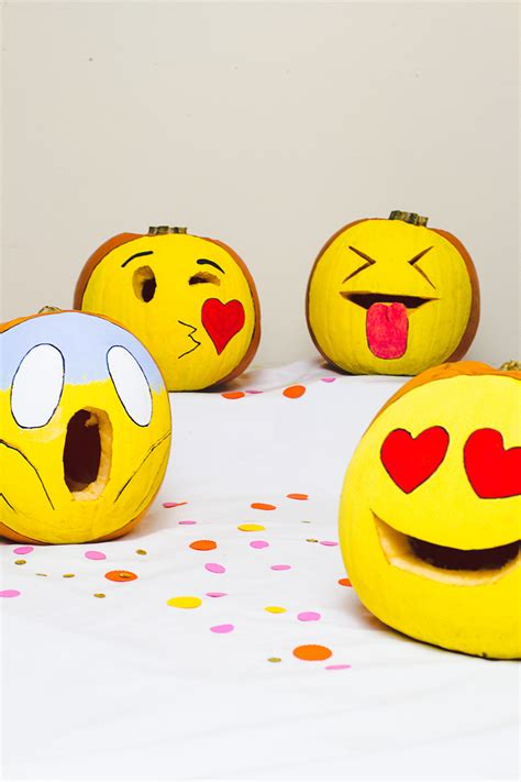 Whatsapp Sticker Selber Machen by Diy Pumpkin Emojis For Decor And Carving Crafts