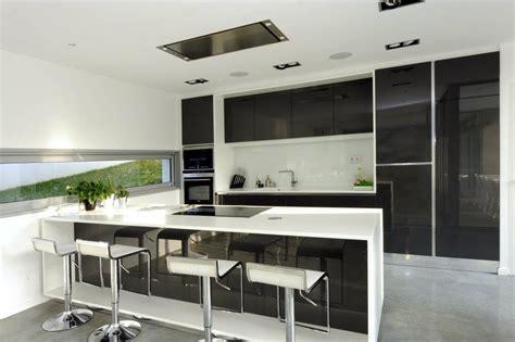 Bien Plan De Travail Meuble #8: 104272-cuisine-design-et-contemporaine-cuisine-ouverte-equipee.jpg