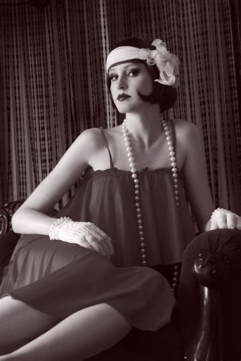 roaring 20 s fashion hair make up your mind 1920 s make up hair preparation for