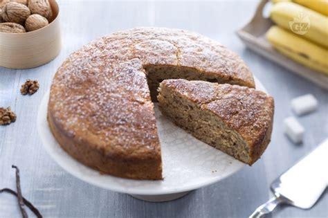 cucinare torta di banane ricetta torta di banane la ricetta di giallozafferano