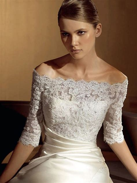 Wedding Hairstyles For Lace Dresses by Wedding Hairstyles To Go With Lace Dress Wedding Hairstyle