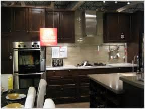 Kitchen Backsplash With Dark Cabinets subway tile kitchen backsplash with dark cabinets tiles home