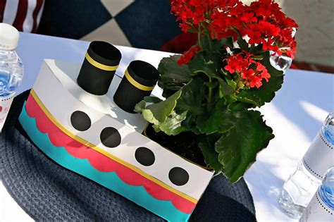 cruise ship plays love boat theme bridal shower love boat theme cakes likes a party