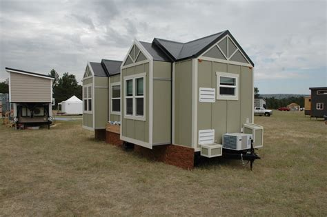 Expandable Tiny House This Tiny House Expands In Size With The Push Of A Button